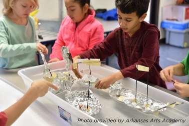 Arkansas Arts Academy Tinkering captioned